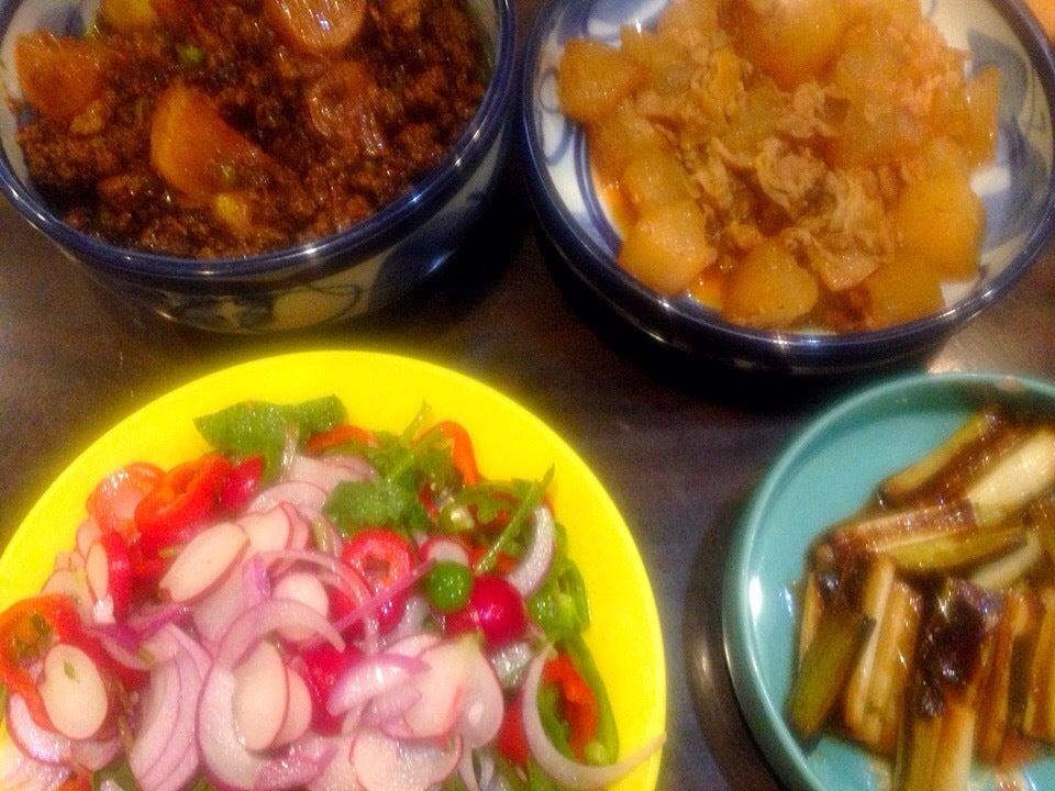 ・かぶのキーマカレー ・冬瓜と豚の煮物 ・ピーマンとラディッシュのサラダ ・ネギのマリネ SnapDish 料理カメラ