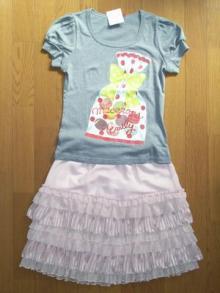 emily-Tshirts&skirt