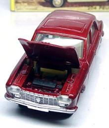 Dinky PEUGEOT 204 001-03