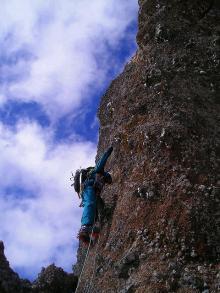 ドーム登攀中の岩田01