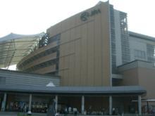 競馬場外観2