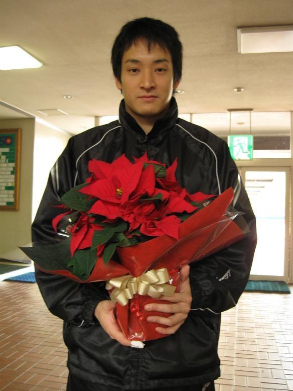 17番 島田 桃大選手より花のクリ...