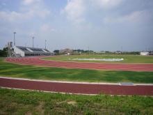 無人の学園グラウンド