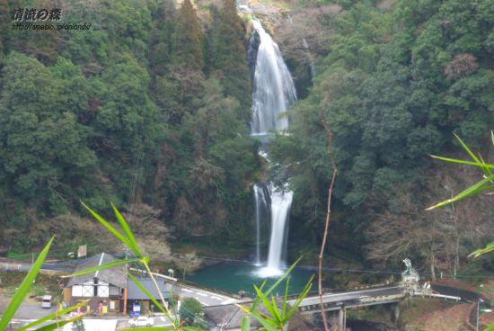慈恩の滝遠景