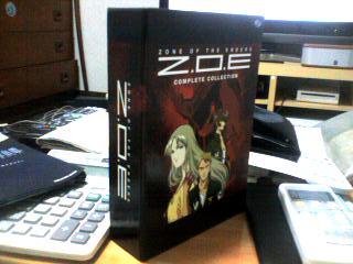 自分新人オタクです-ZOE