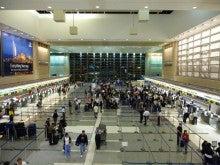 気まぐれな世界-LAX空港内の様子