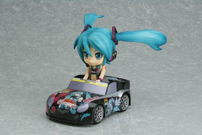 STGT広報スタッフ~モミィのブログ-ねんどろカーに乗るミク