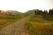 毎日はっぴぃ気分☆-西陽の田舎道