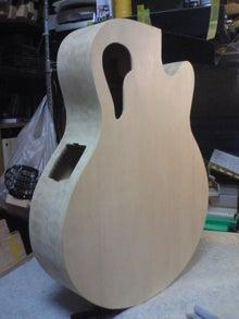 ギターが好き。。。。。。下手だし、中年オヤジだけど。。。。。。-SN370225