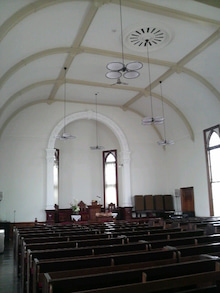 ある教会の牧師室-2009062622470000.jpg