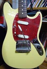成功するためのネットワークビジネス調査室-愛用のギターです