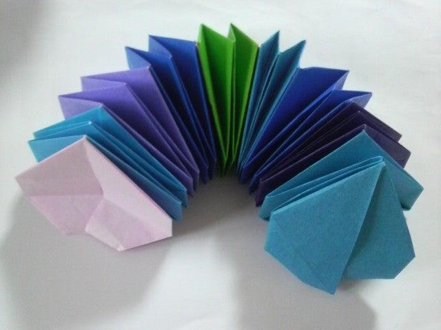折り紙 万華鏡 折り 方 折り紙でおしゃれな万華鏡を作る方法!材料は折り紙7枚でできるよ!