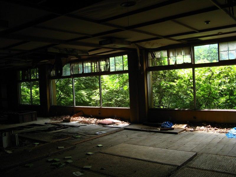 【趣味とか】 ちくわぱん 【日常とか】 writing by 写楽斎- 廃墟 京都 ドライブイン  ruins