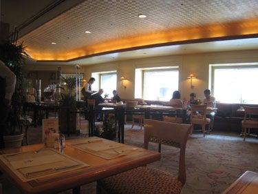 横浜発 驢馬人の美食な日々-CAFE FLORA02