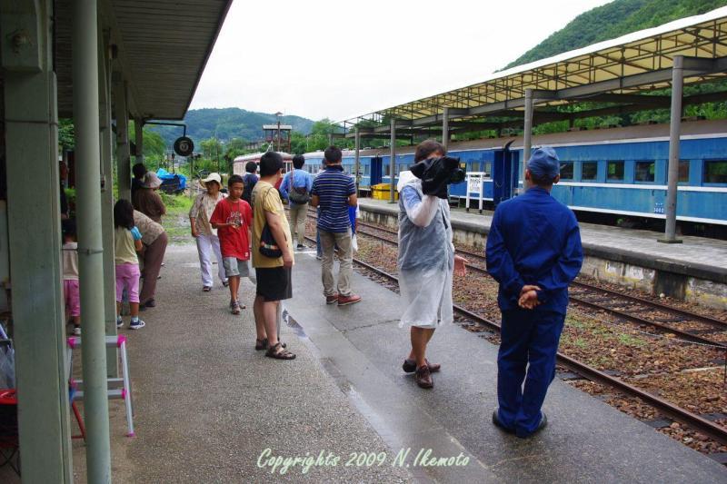 駅長猫コトラの独り言~旧 片上鉄道 吉ヶ原駅勤務~-朝は雨でした