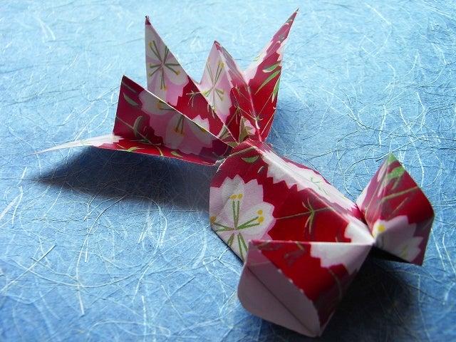 バラ 折り紙:折り紙 金魚 折り方-divulgando.net