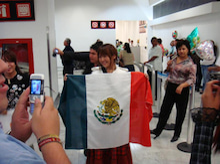 桃井はるこオフィシャルブログ「モモブロ」Powered by アメブロ-メキシコ国際空港で02