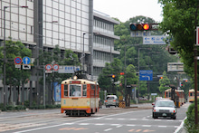 カルマンギアのある生活-松山の路面電車