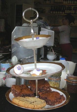 シュガークラフトとイギリス菓子教室便り-3段