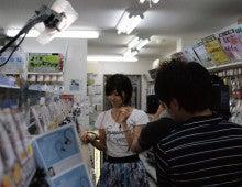 イヤホン・ヘッドホン専門店「e☆イヤホン」のBlog-「おは朝」TV取材その1