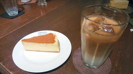 たまたま京都に住んでます。- Papa Jon's・アイスカフェラテとチーズケーキ