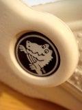 怒れる小さな茶色い犬-090905f