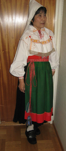 $北欧からコンニチワ-民族衣装2