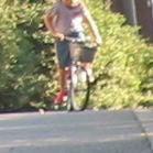 せつこマ~マのウチのネコどもブログ-自転車に乗ったこども