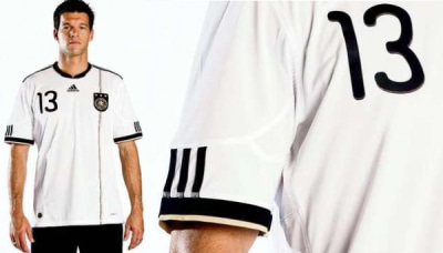 ドイツ 代表 ユニフォーム 2010