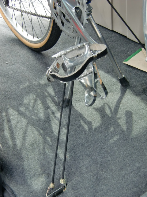 自転車の 自転車 車載 方法 車内 : ペダルと車体の一部を、こんな ...