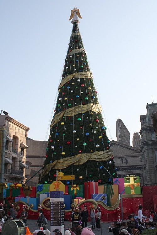 ユニバーサル・スタジオ・ジャパン ファンブログ-ユニバーサル・スタジオ・ジャパのクリスマスツリー