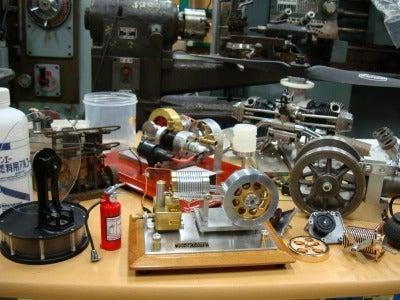 $模型エンジンを作ろう ミニ旋盤で真空エンジンを作ってみませんか