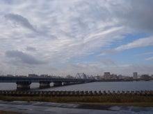 続 東京百景(BETA version)-#084 葛西橋(荒川の流れ、雲の流れ)
