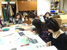 国際文化交流の活動報告-091122_絵本5