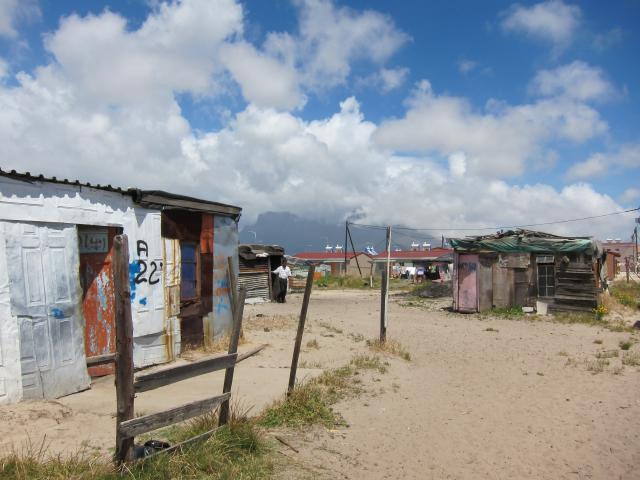 ブログとメールマガジンで年収1億円稼ぐ、世界を旅するヒマリッチ社長、川島和正の日記-南アフリカ,ケープタウン,タウンシップ2-3