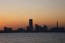 東京タワーサイドメモリー-大黒ふ頭からみなとみらいを望む