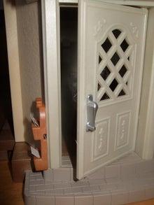 日々 更に駆け引き-玄関