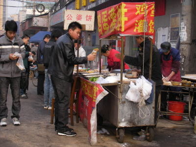 中国留学して起業しちゃったオヤジのブログ-「中国留学情報」 武漢屋台02
