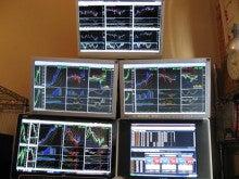 リーマントレーダーの七転八起              ☆株式&先物&FX 投資 と ランチ☆-モニター正面