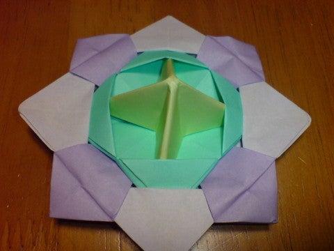 折り紙の 折り紙のコマの作り方 : ameblo.jp