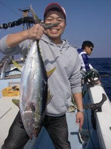 沖縄から遊漁船「アユナ丸」-釣果(22.01.17)