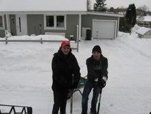 北欧からコンニチワ-雪かき・1