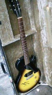 HARRYのギターケース|ex. スライダーズおやじ