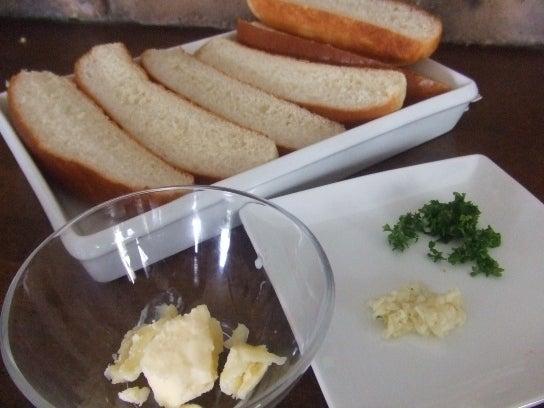 長澤家のレシピブログ-ガーリックトースト食材画像