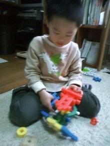 山田スイッチの『言い得て妙』 仕事と育児の荒波に、お母さんはもうどうやって原稿を書いてるのかわからなくなってきました。。。-100323_1637~02.jpg