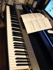 $DTM机★自作のススメ-楽譜を広げると