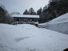 夫婦世界旅行-妻編-雪に囲まれた宿