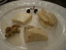 東京でプチスローライフ-チーズ盛り合わせ