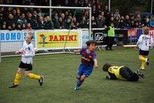 欧州サッカークラブとの仕事を語るブログ-Lokeren8