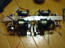 無免許科学者のブログ-二足歩行ロボットだ!